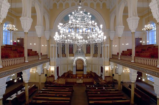 בצל הקורונה: חתונות בבית הכנסת חוזרות ובגדול